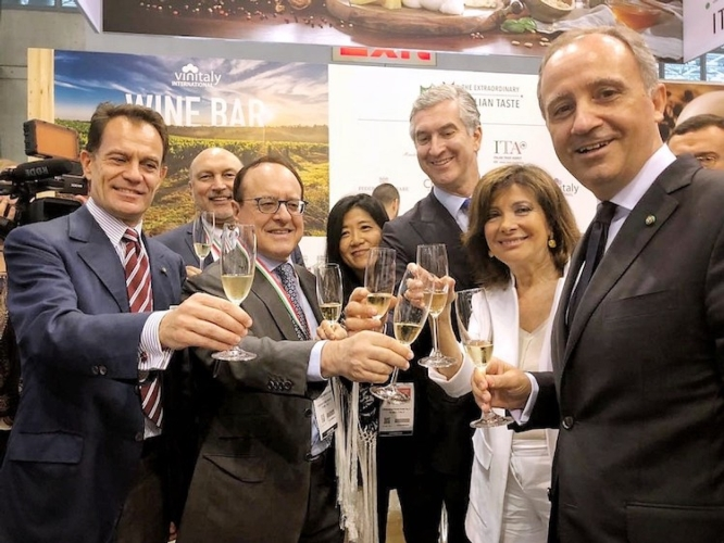 brindisi-inaugurale-summer-fancy-food-show-2018-new-york-fonte-veronafiere