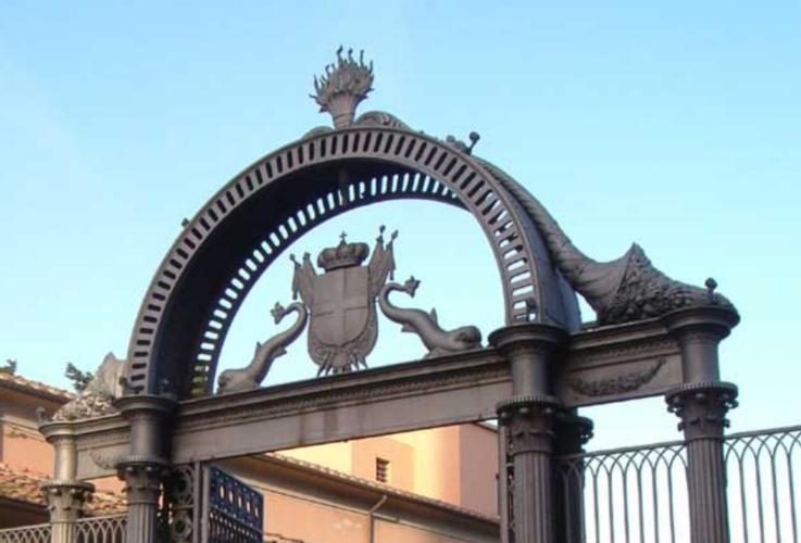 cancello-ex-ilva-follonica-by-wikimedia-jpg.jpg