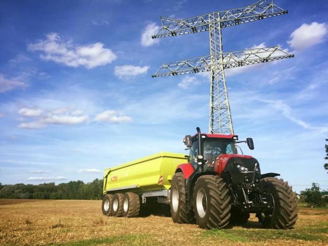 case-ih-optum-cvx-trattori-magdeburgo-germania-2015-byagncs