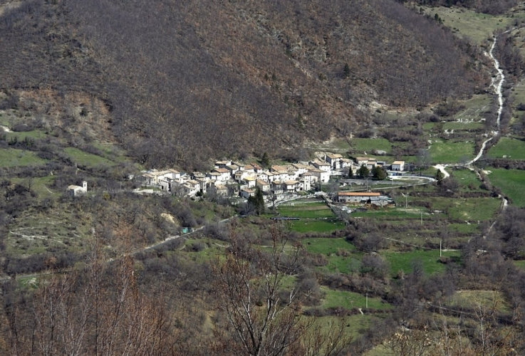 castelsantangelo-sul-nera-marche-valnerina-by-trolvag-wikipedia-jpg.jpg