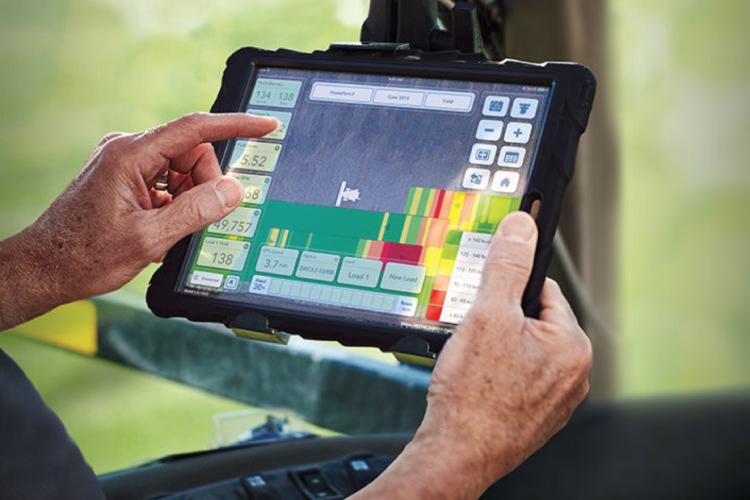 Con Climate Fieldview l'agricoltore ha sott'occhio campi e macchine