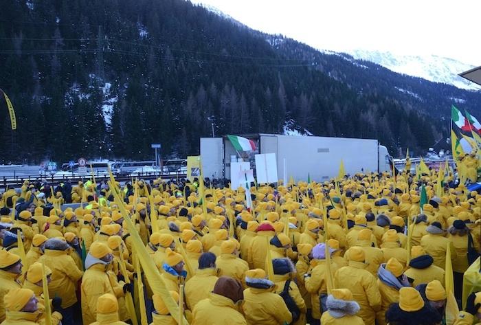 coldiretti-protesta-brennero-dic20131