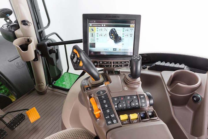 Serie 6R John Deere, il trattore a portata di joystick