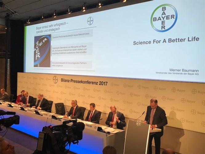 conferenza-finanziaria-bayer-leverkusen-22-02-2017.jpg