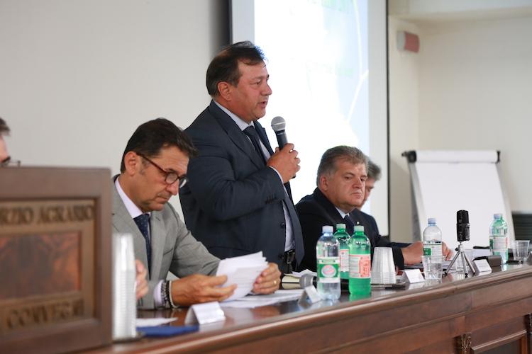 consorzio-emilia-intervento-presidente-ferro-con-il-direttore-cremonini