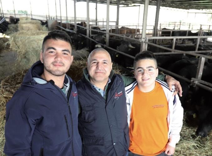da-sx-giovanni-giuseppe-e-davide-dinatale-azienda-agricola-magazze-mag-2019-allevatori-top