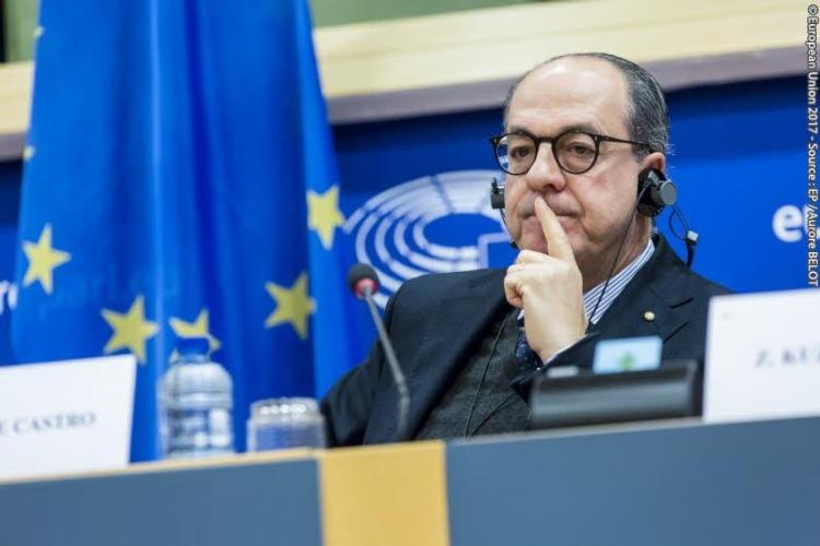de-castro-parlamento-europeo.jpeg