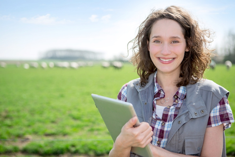 donna-ragazza-giovane-giovani-agricoltura-tablet-tecnologie-computer-by-production-perig-fotolia-750.jpeg