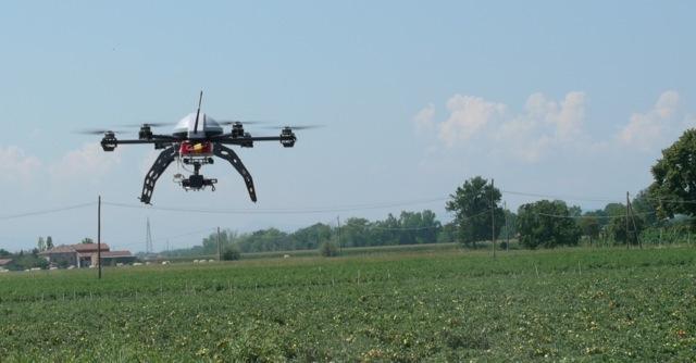 drone-campo-fonte-canale-emiliano-romagnolo