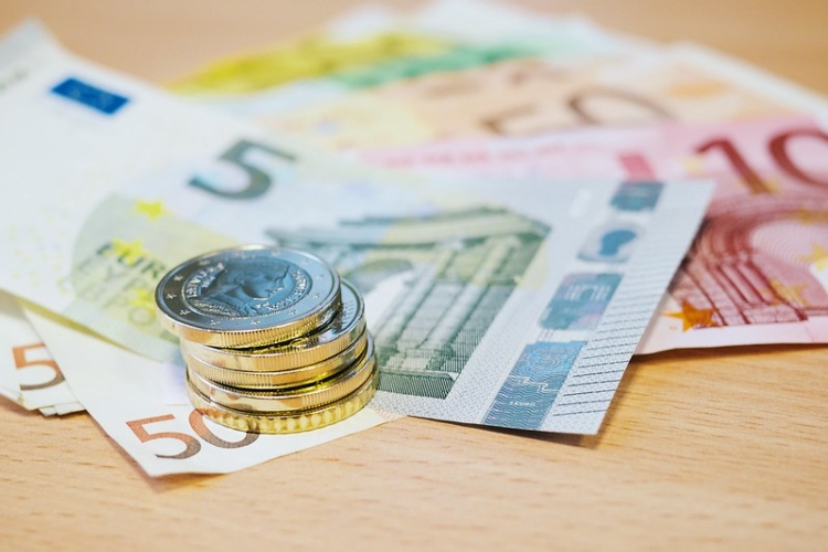 euro-monete-banconote-karlis-dambrans