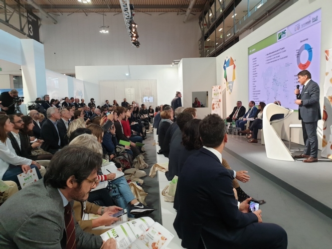 evento-international-nut-forum-mag-2019-tuttofood-articolo-barbara-righini-fonte-sgmarketing