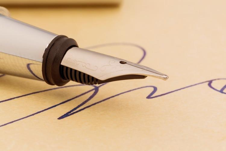 firma-contratto-contratti-documento-gina-sanders-fotolia-750x500.jpeg