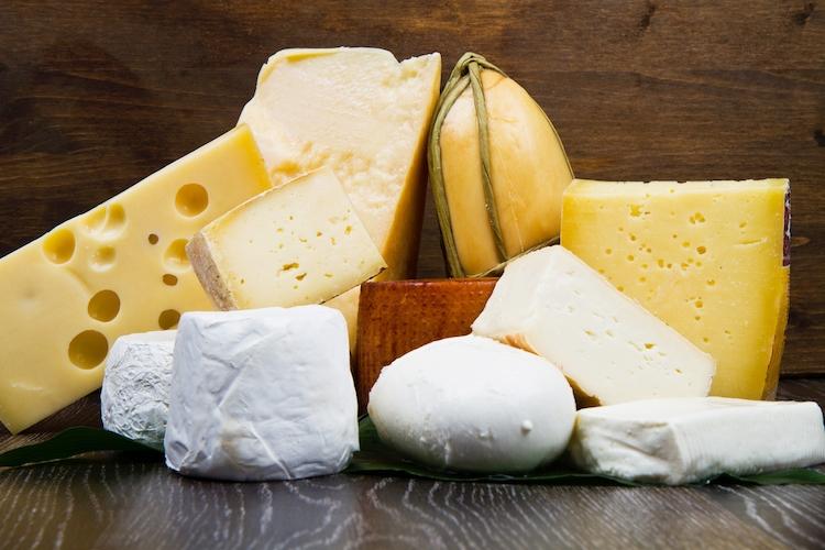 formaggi-formaggio-vari-tipi-by-lsantilli-fotolia-750