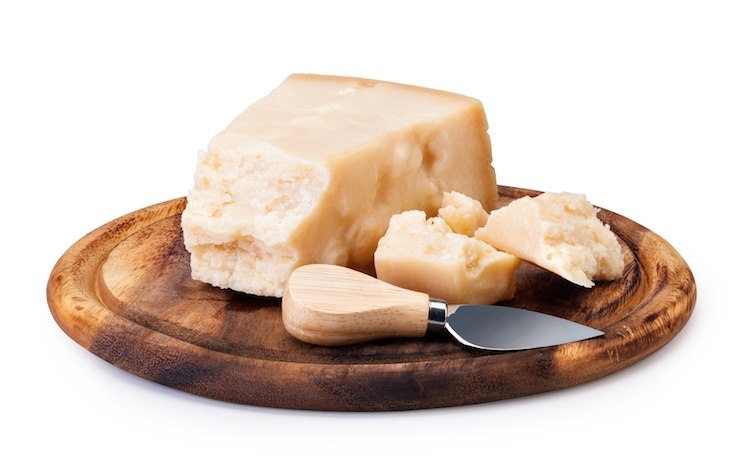 formaggio-a-pasta-dura-parmigiano-grana-by-gresei-fotolia-750