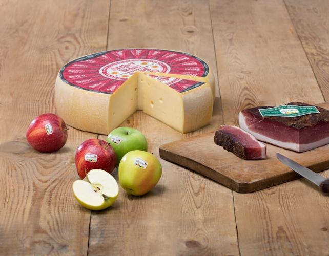 formaggio-stelvio-dop-mela-alto-adige-speck-alto-adige