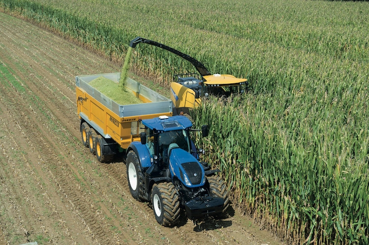 fr-780-tier4b-trattore-fonte-new-holland