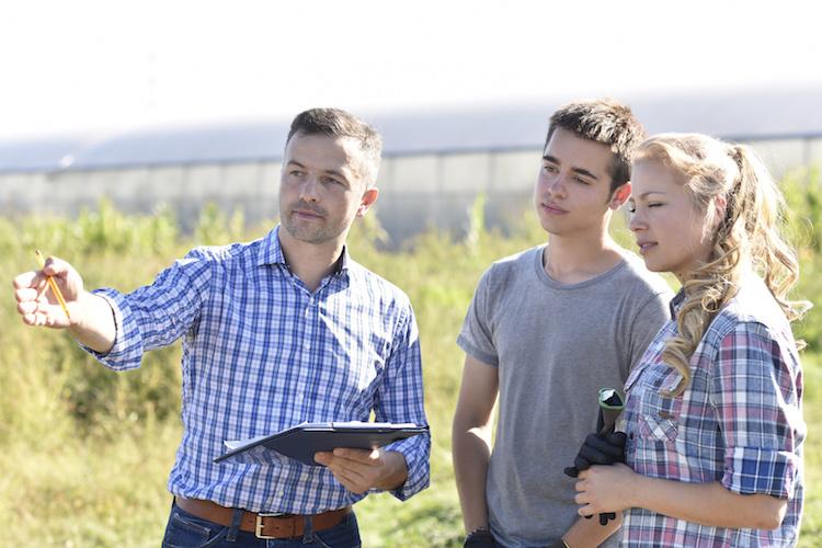 giovani-agricoltura-formazione-by-goodluz-fotolia-750
