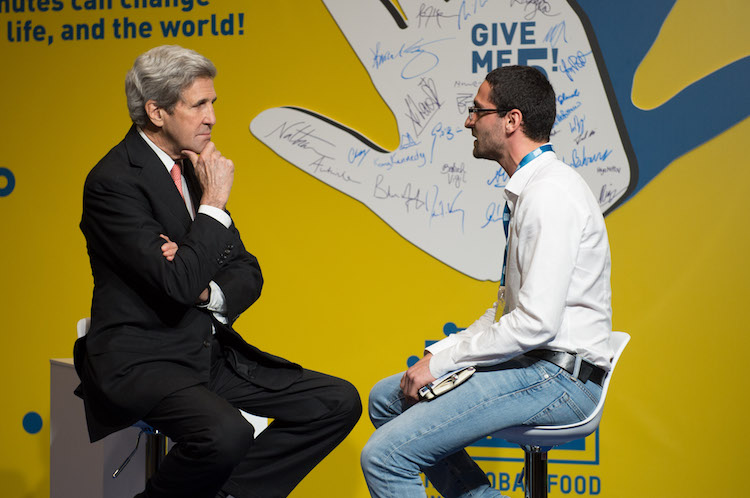 give-me-5-john-kerry-fonte-seeds-e-chips