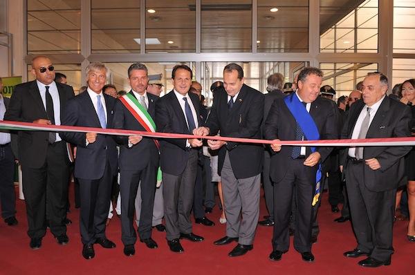 inaugurazione-macfrut-2011-ministro-romano.jpg