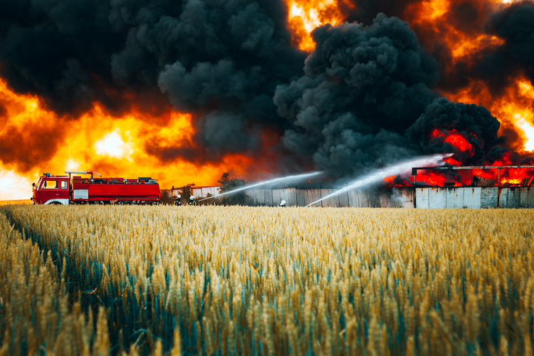 incendio-incendi-esplosioni-agricoltura-by-leszekglasner-adobe-stock-750x500