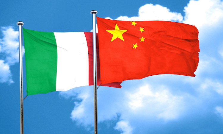 italia-cina-bandiere-by-argus-adobe-stock-750x450