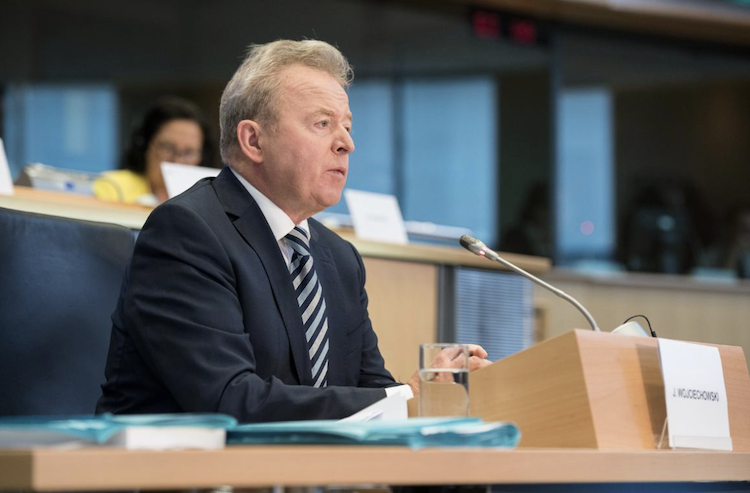 janusz-wojciechowski-commissione-agricoltura-ue-ott-2019-fonte-parlamento-europeo