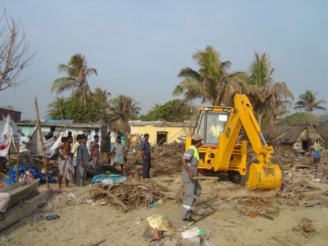 jcb-backhoe-is-at-work-in-tamil-nadu-after-the-tsunami-of-2004