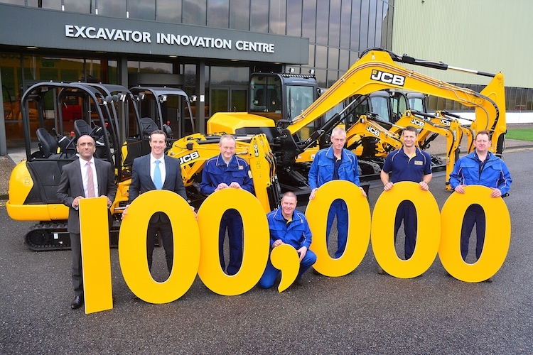 jcb100millesimo-escavatore.jpg