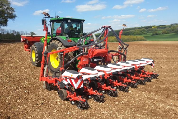 Maxima 3, l'asso di KUHN per una semina del mais veloce e precisa
