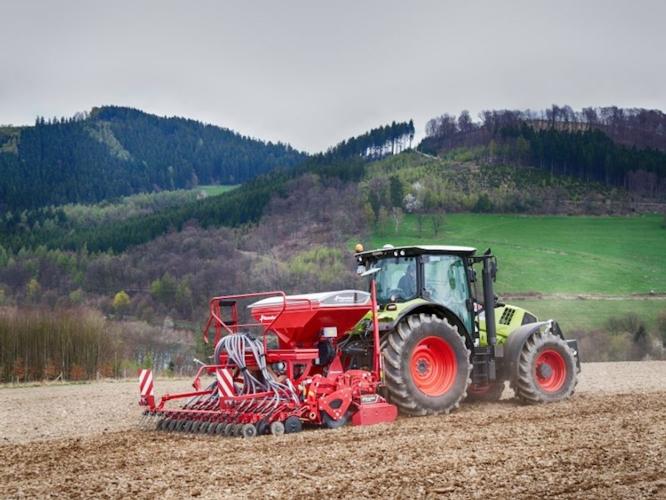 Kverneland e-drill: preparazione e semina a braccetto