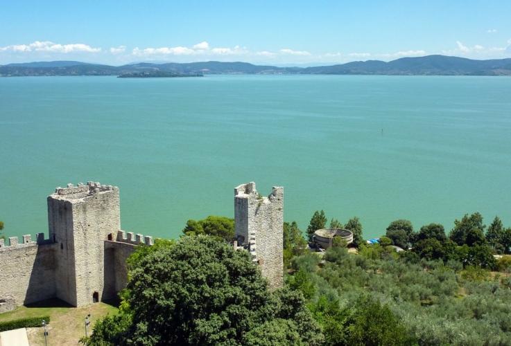 lago-trasimeno-paesaggio-by-adbar-wikipedia-jpg.jpg
