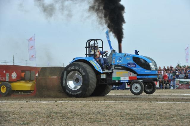Pro Stock Garden Tractor Puller : Tractor pulling la quinta vittoria del bufalo