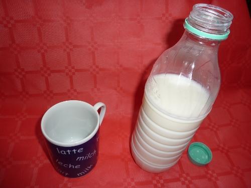 latte_bottiglia_tazza-ag