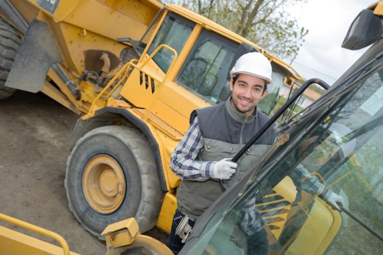 lavoro-attrezzature-agricole-macchine-da-lavoro-by-auremar-fotolia-750