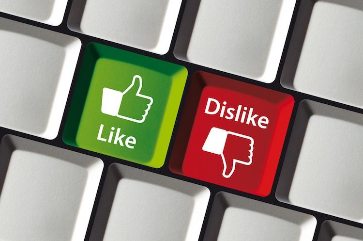 like-dislike-approvazione-su-giu-pollici-ok-ko-cirquedesprit-fotolia-750
