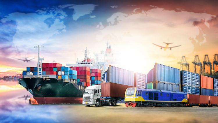 logistica-trasporti-trasporto-treno-aereo-nave-tir-by-enanuchit-adobe-stock-750x422
