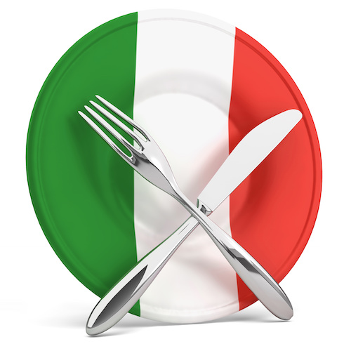made-in-italy-piatto-tricolore-italia-posate-by-dreaming-andy-adobe-stock-500x500