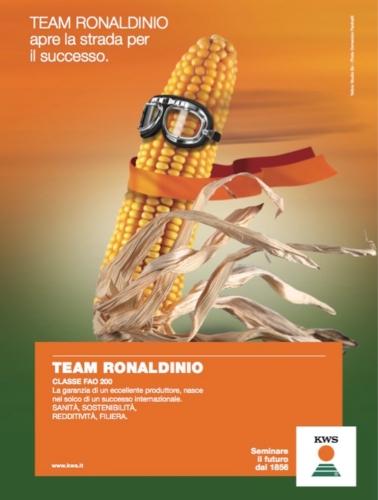 mais-team-ronaldinio-kws.jpg