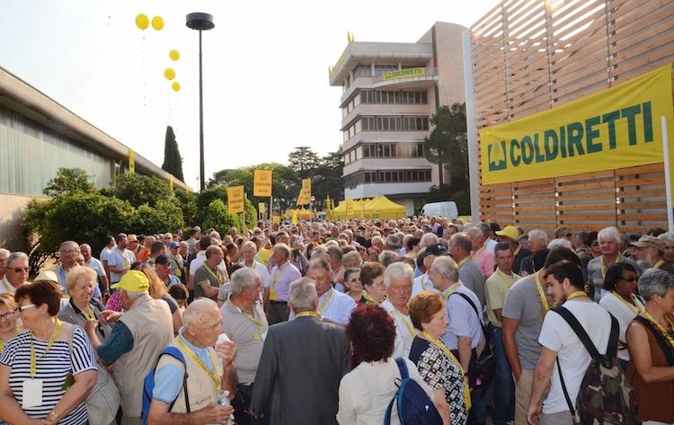 manifestazione-embargo-fonte-coldiretti-20160630