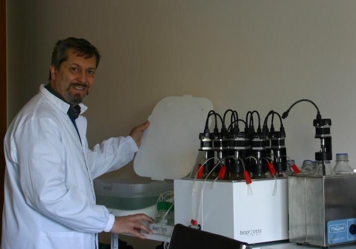 mario-rosato-in-laboratorio-fonte-mario-rosato1.jpg
