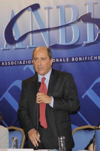 massimo-gargano-presidente-anbi-assemblea-nazionale-roma-lug2013