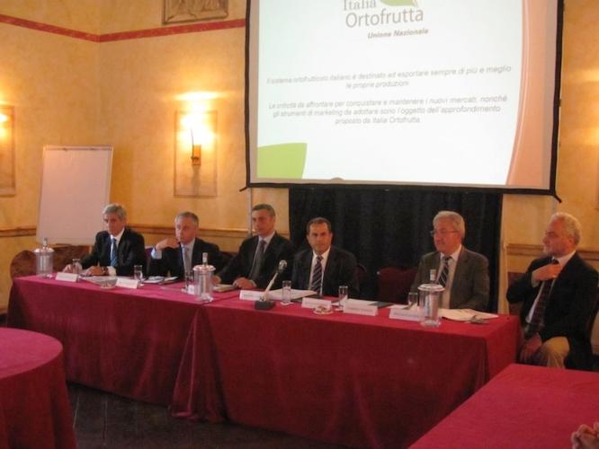 mercati-internazionali-convegno-italia-ortorutta
