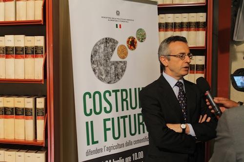 ministro-catania-convegno-cementificazione-lug2012.jpg