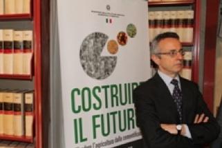 ministro-mario-catania-convegno-costruire-il-futuro-24lug2012-fonte-sito-mipaaf