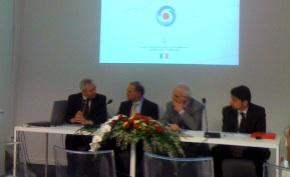 mipaaf-bmti-conferenza-stampa-vinitaly-2010-vino-confezionato