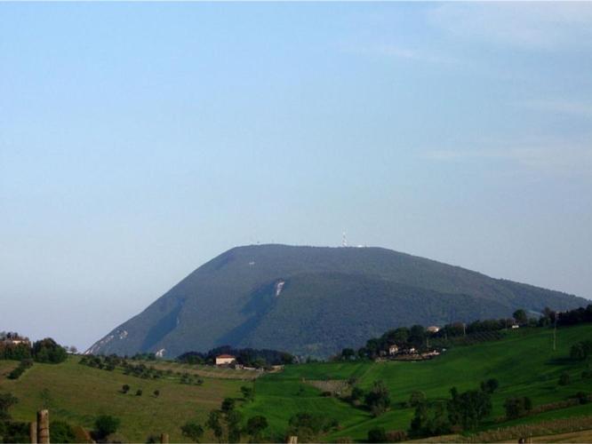 monte-conero-ancona-marche-by-beta-16-wikipedia-jpg