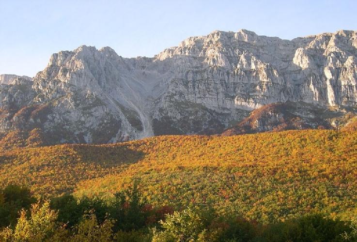 monte-sirente-abruzzo-by-sbaliva-wikimedia-jpg1