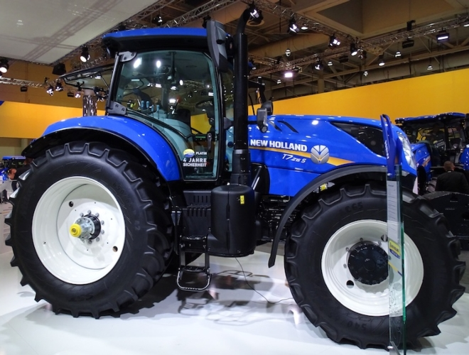 new-holland-t7215-s-agritechnica-2017.jpg