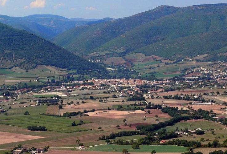 paesaggio-norcia-umbria-by-zyance-wikimedia-jpg