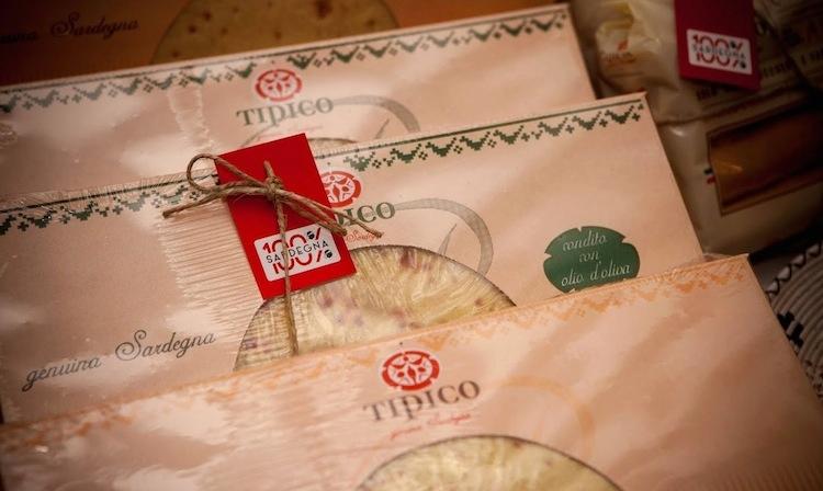 pane-carasau-presentazione-expo-marchio-100-per-cento-sardegna-ott2015